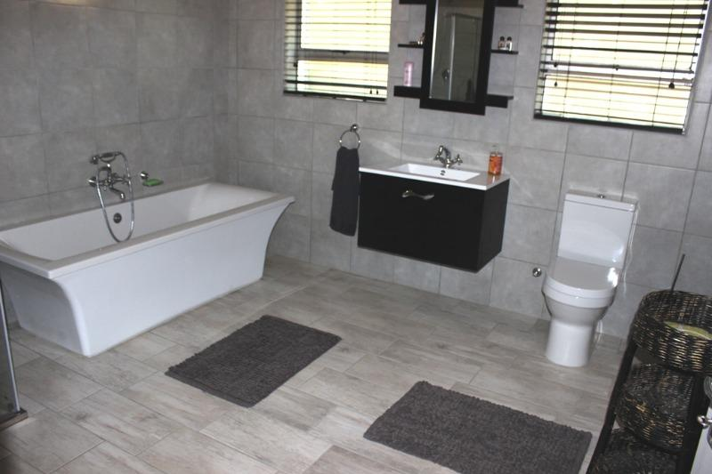 Property For Sale in Morning Star, Cape Town 20