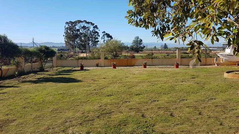 Property For Sale in Rondeberg, Cape Town 14