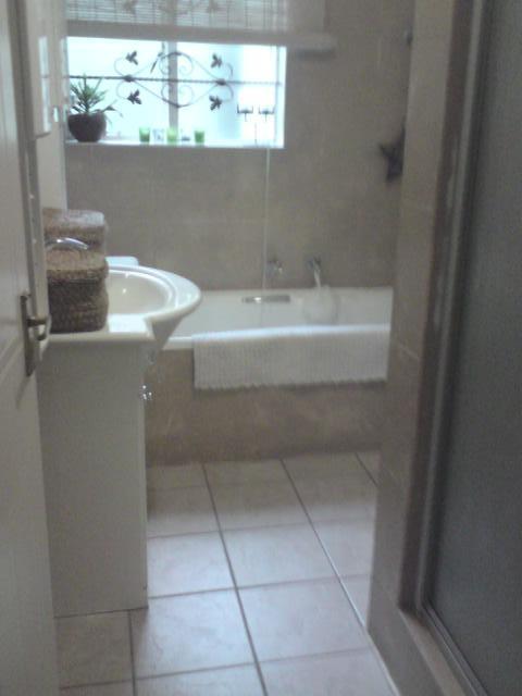 Property For Sale in Morningside, Sandton 12