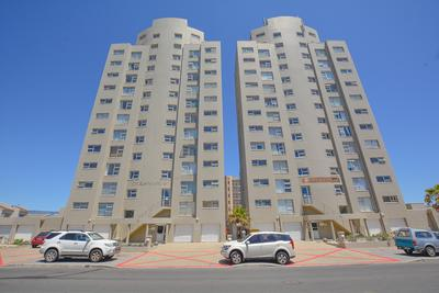 Apartment / Flat For Sale in Bloubergstrand, Cape Town