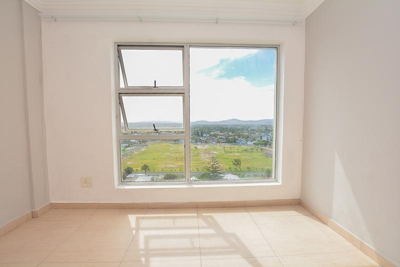 Property For Sale in Bloubergstrand, Cape Town 14